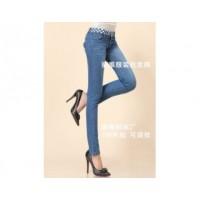 便宜小脚牛仔裤批发网上经常能看见的服装厂家也是*实在的直销