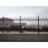 现货热销铁艺护栏、铸铁围栏、韧性好、不易褪色生锈
