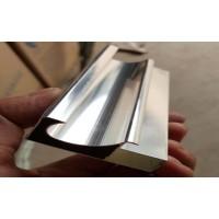河北晶钢门铝材
